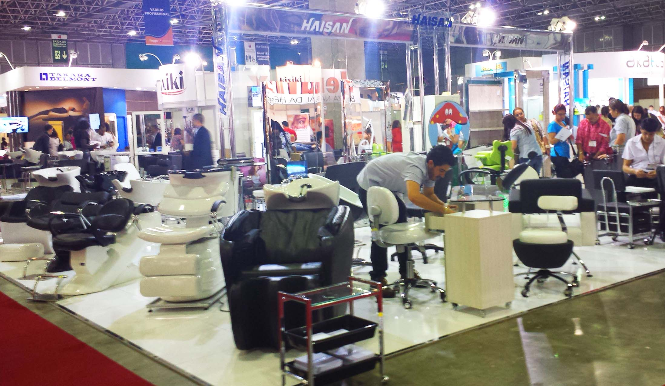 hair&beauty2013stands